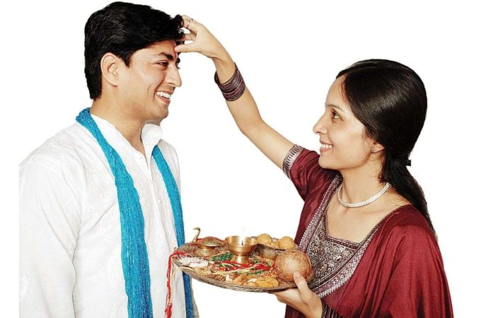 Personality Defining Rakhi Gifts for Your Special Brother
