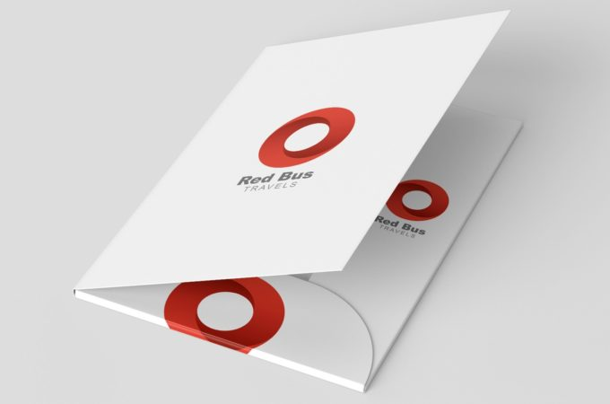 7 Benefits of Custom Presentation Folders for Your Business