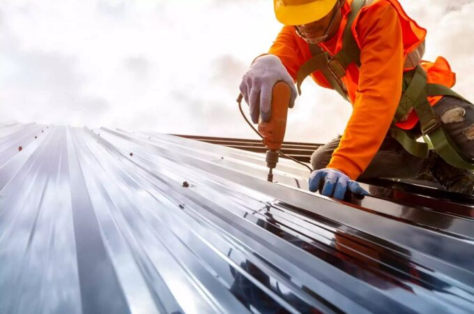 HOW LONG SHOULD A COMMERCIAL ROOFING LAST?
